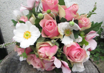 Bella Poppy Flower Design-Chichester-Flowers-Florist-Weddings-Funerals-Bouquets- Pink and white mixed Bridal Bouquet 500x500