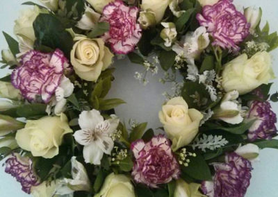 Bella Poppy Flower Design-Chichester-Flowers-Florist-Weddings-Funerals-Bouquets- Whte and pink circular wreath 500x500