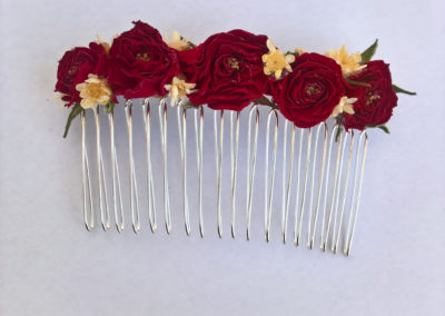 Hiar comb or red mini roses - dried flowers