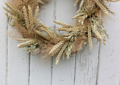 Circular wreath of wheat - dried flowers