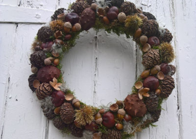 Dried wreath of acorns and pine cones - dried flowers