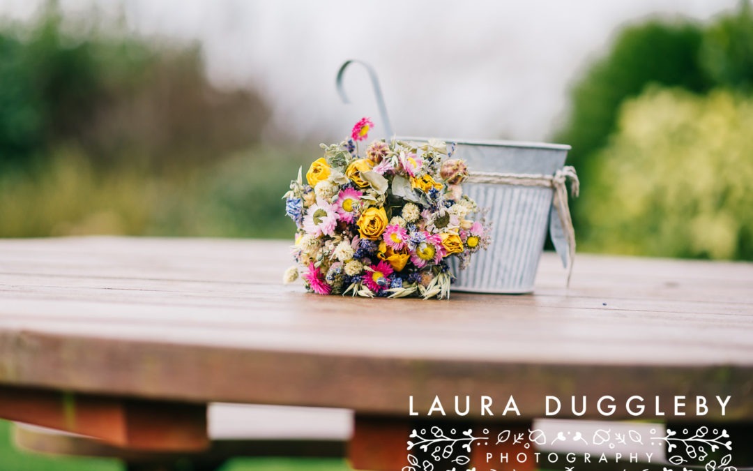 Choosing dried flowers for your wedding